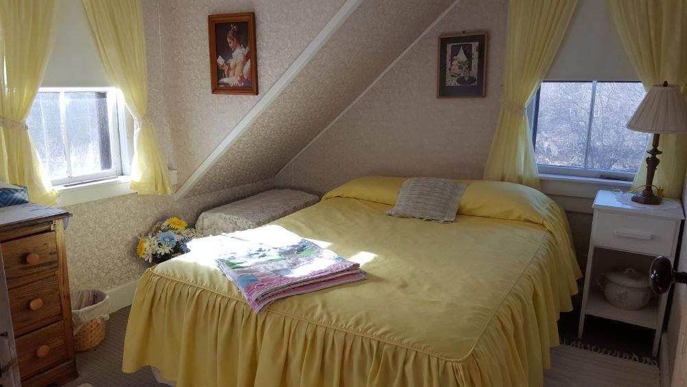 Heritage House yellow room